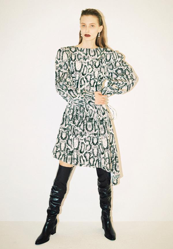 [FW20]Eyelet corset detail python print unbalance dress