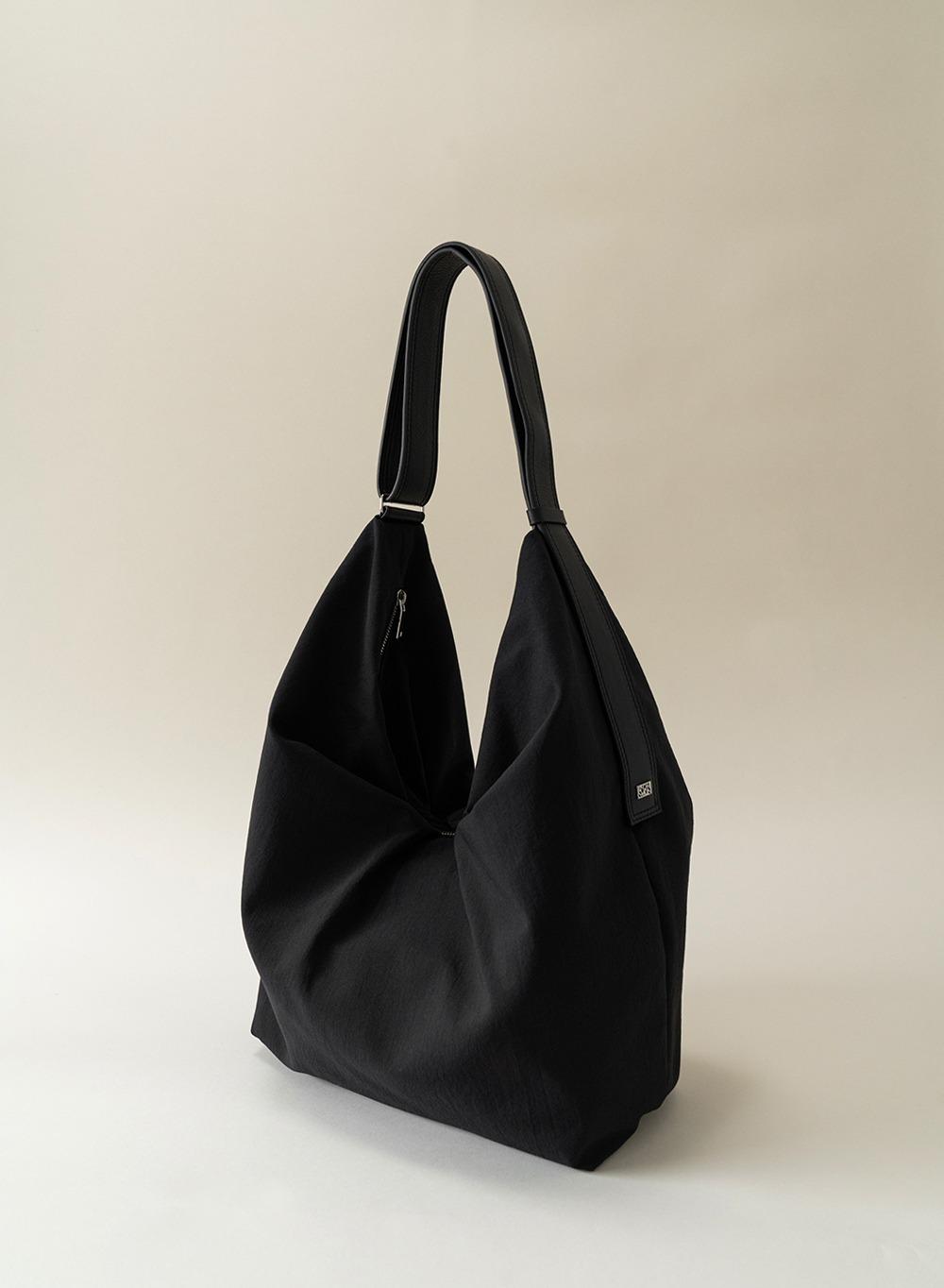 [ESSENTIAL] 미아 Mia Oversized Bag Black