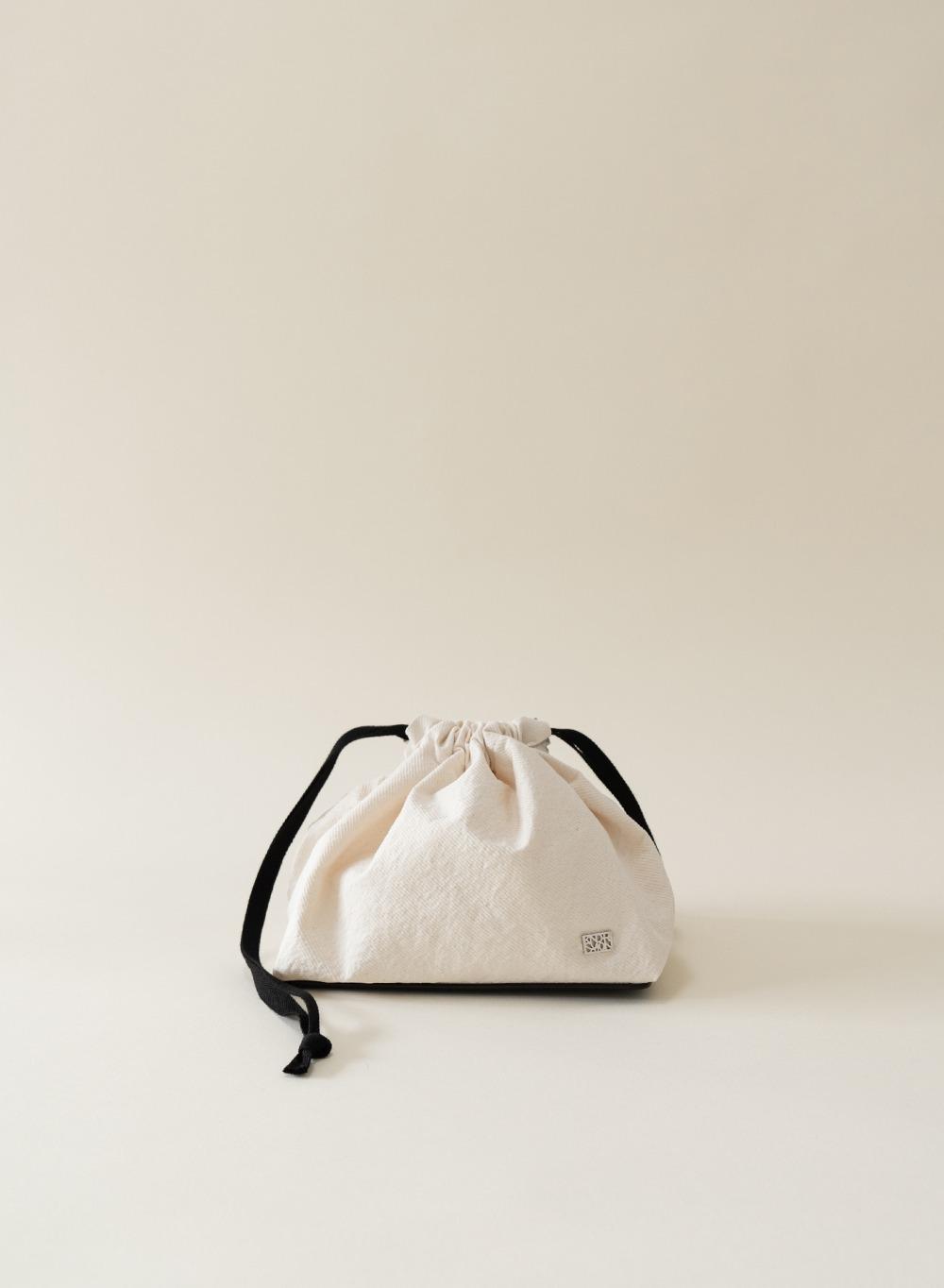 [ESSENTIAL] Cotton Pouch Ecru