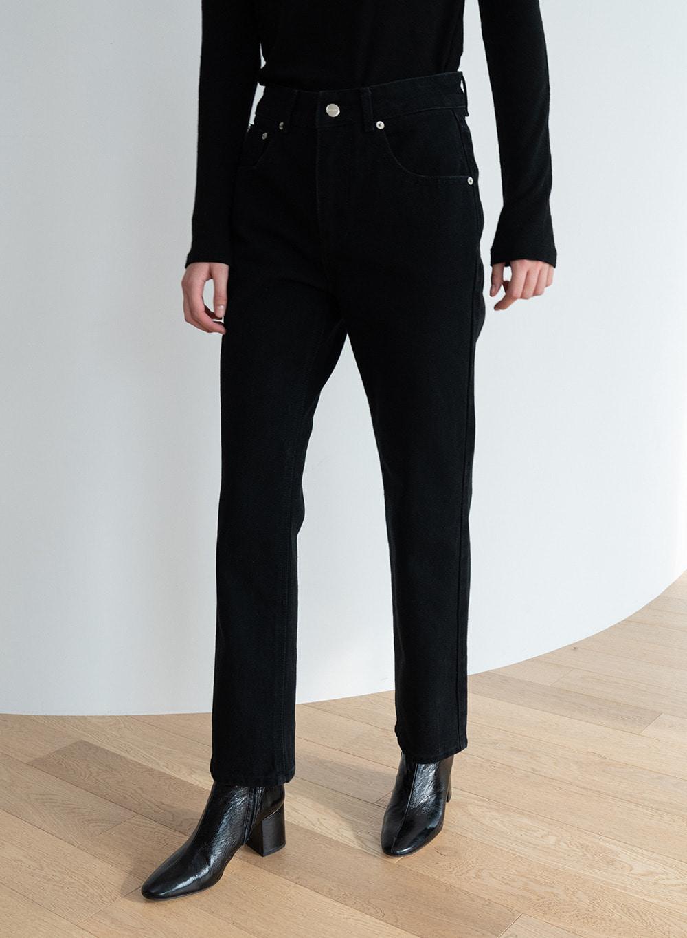 [ESSENTIAL] 바네트 Barnett Straight Jeans Black