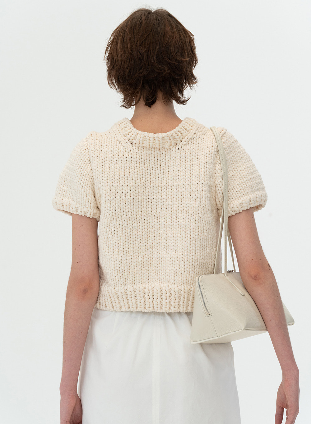 [ESSENTIAL] Hand-made Bulky Knitted Top Ivory