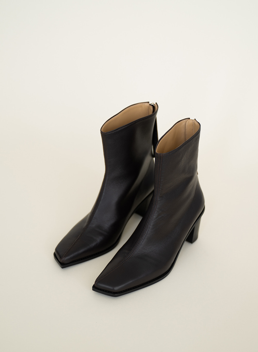 FW21 Nuoy Oblique Ankle Boots Dark-brown