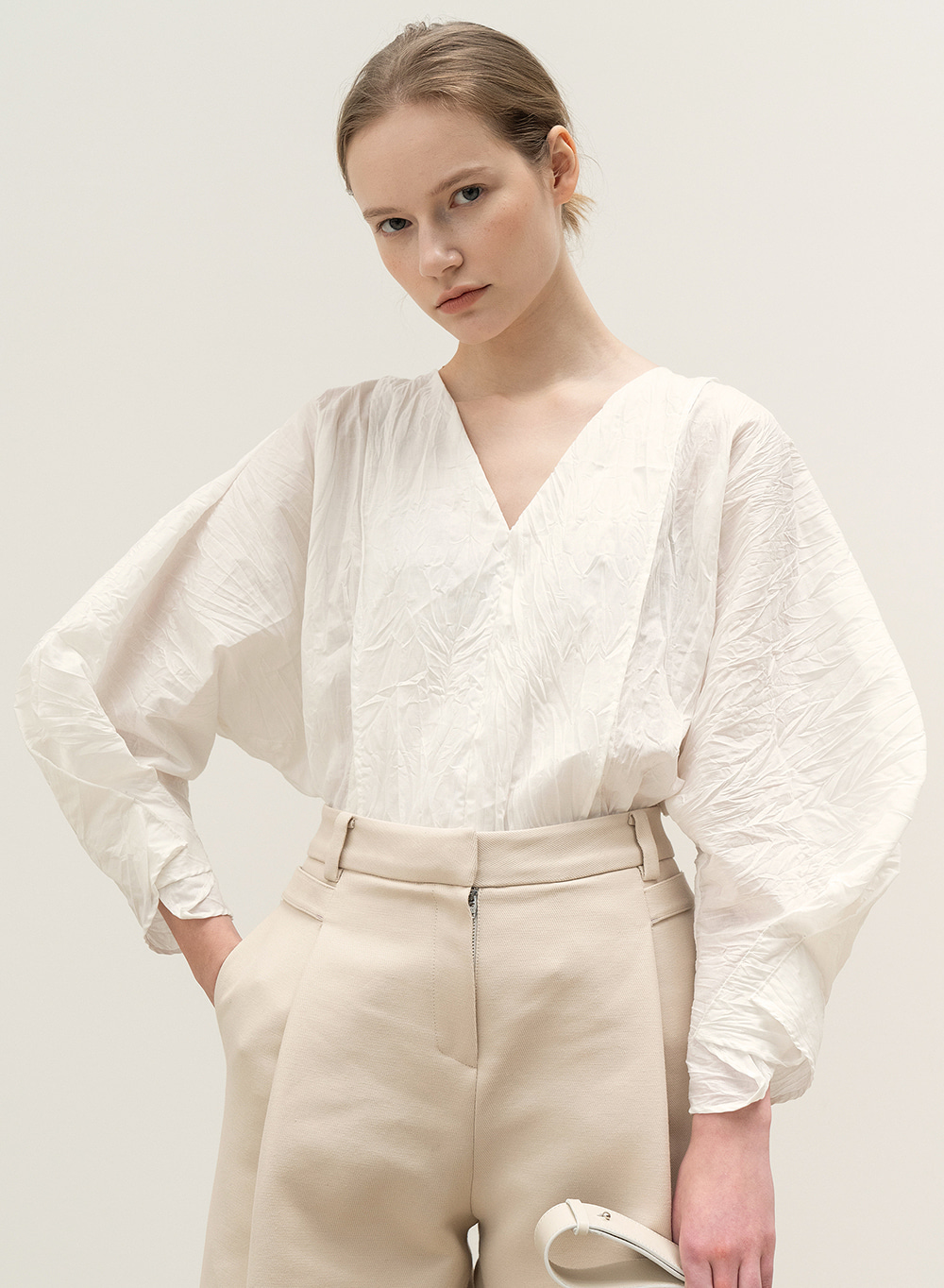 FW20 New Cocoon Blouse White