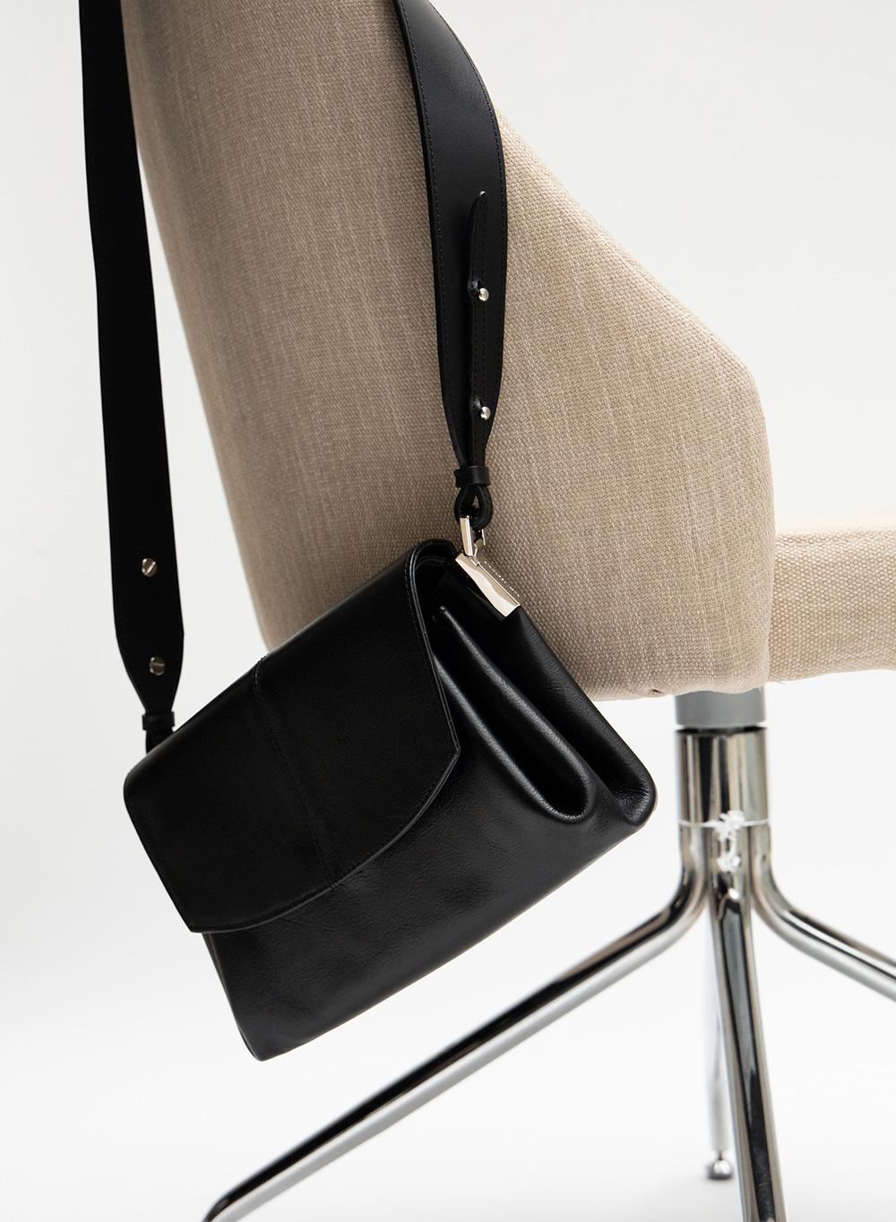 FW20 레이아 Leia Pleats Bag Black