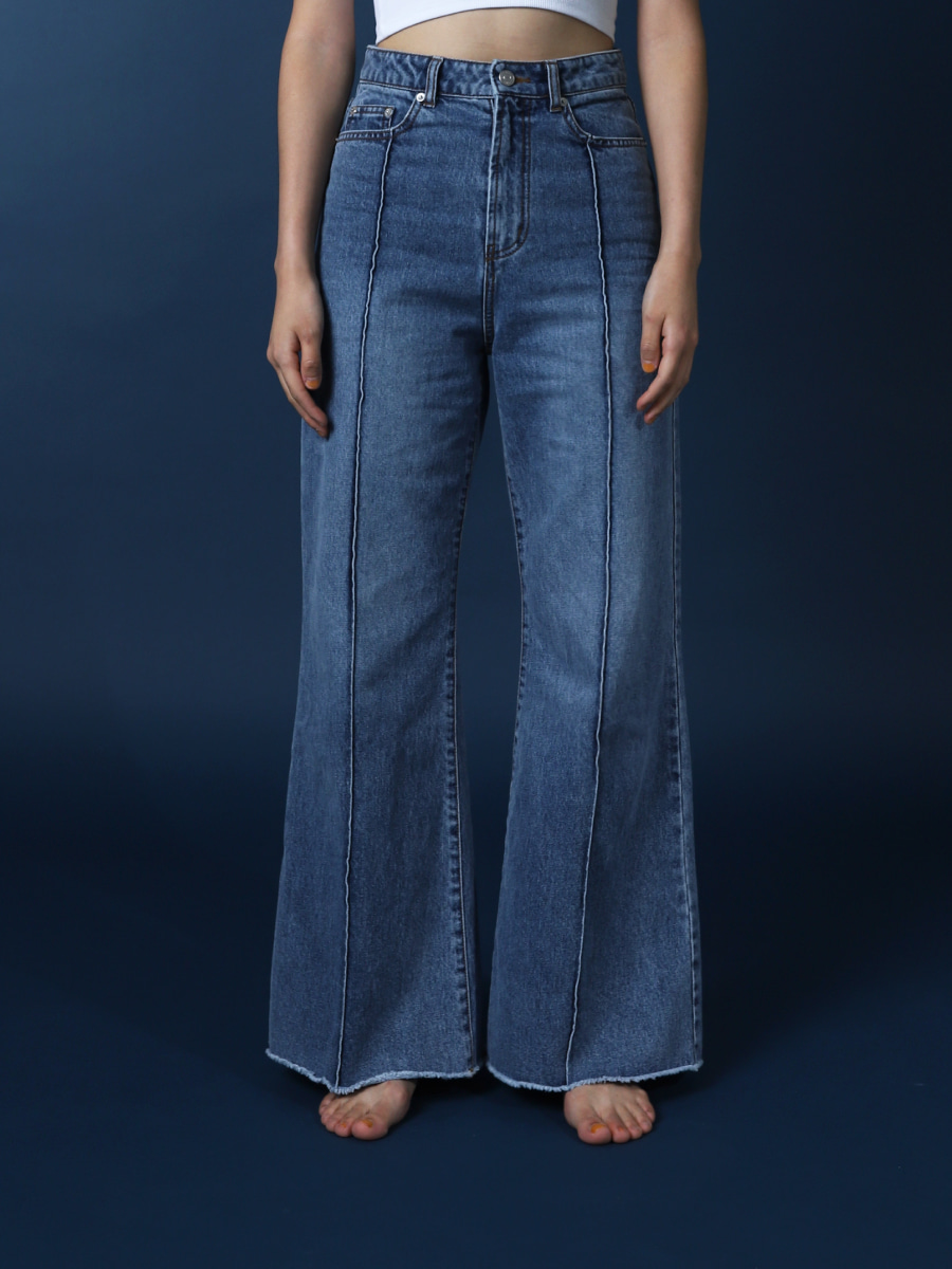 Wide Pintuck Jeans