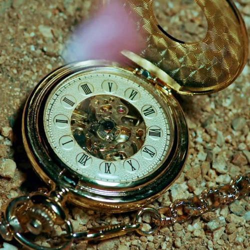 더킹, 스켈레톤 회중시계