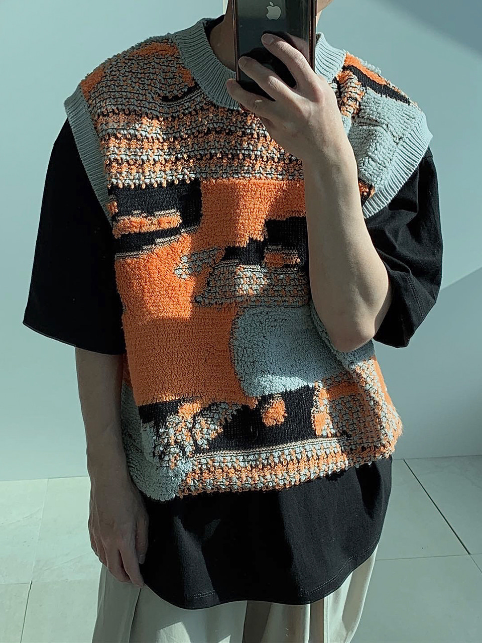 Young Pattern Knitted Vest (2color)