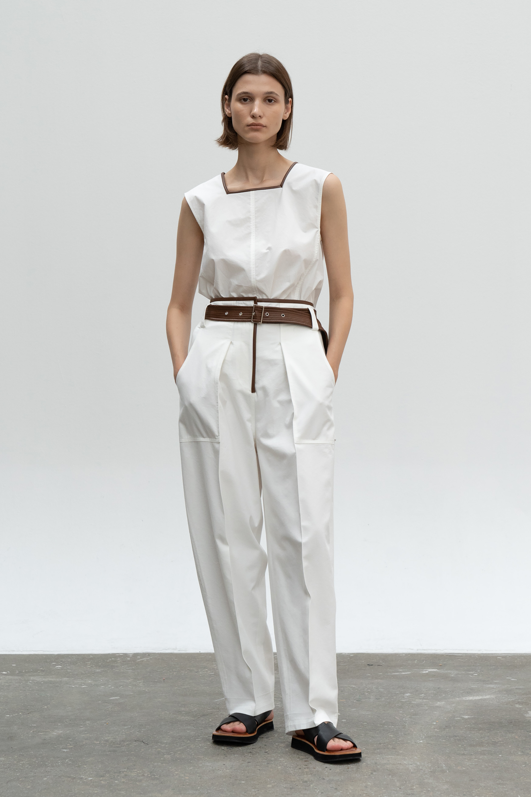 SQAURE NECK LEATHER LINE COMBI TOP_WHITE