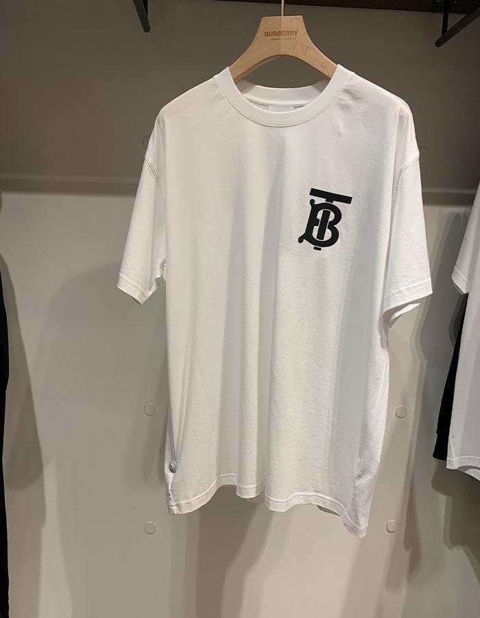 버버리 80174731 TB 로고 오버사이즈 티셔츠 / 화이트