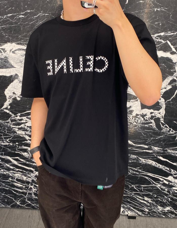 셀린느 맨즈 체크 스터드 로고 티셔츠 / 블랙