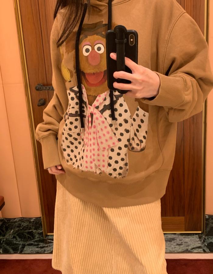 몽클레어 Muppets 후드 스웻셔츠 / 토피 베이지
