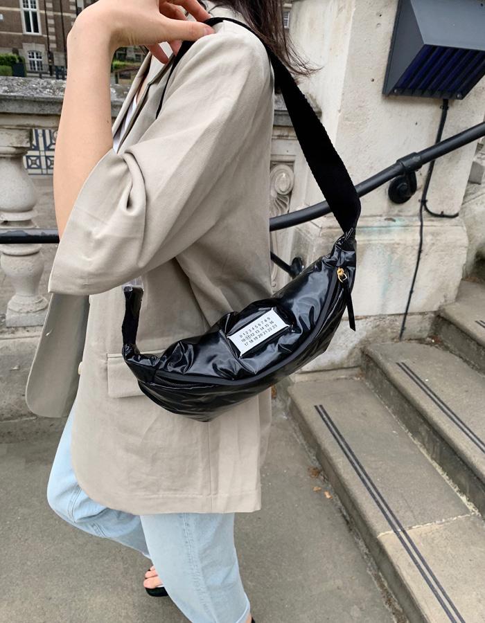 메종마르지엘라 글램 슬램 로고 범백 / 페이턴트 / 블랙