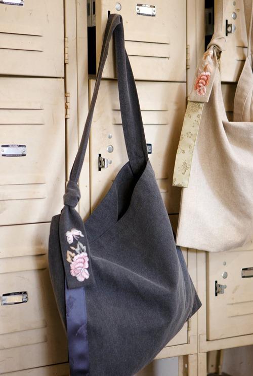 가방 | 모란나비 데일리 차콜 T1J10A044