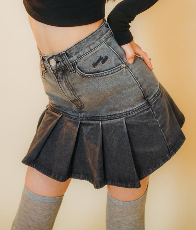 HEART CLUBDark Gray Pleated Hem Denim Skirt