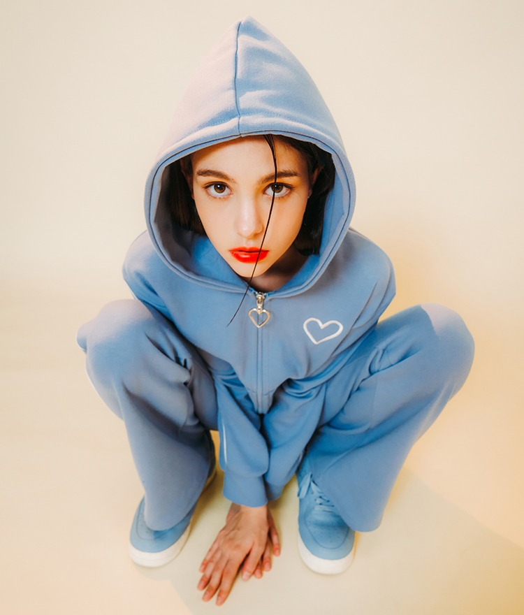 HEART CLUBEmbroidered Heart Sky Blue Hoodie