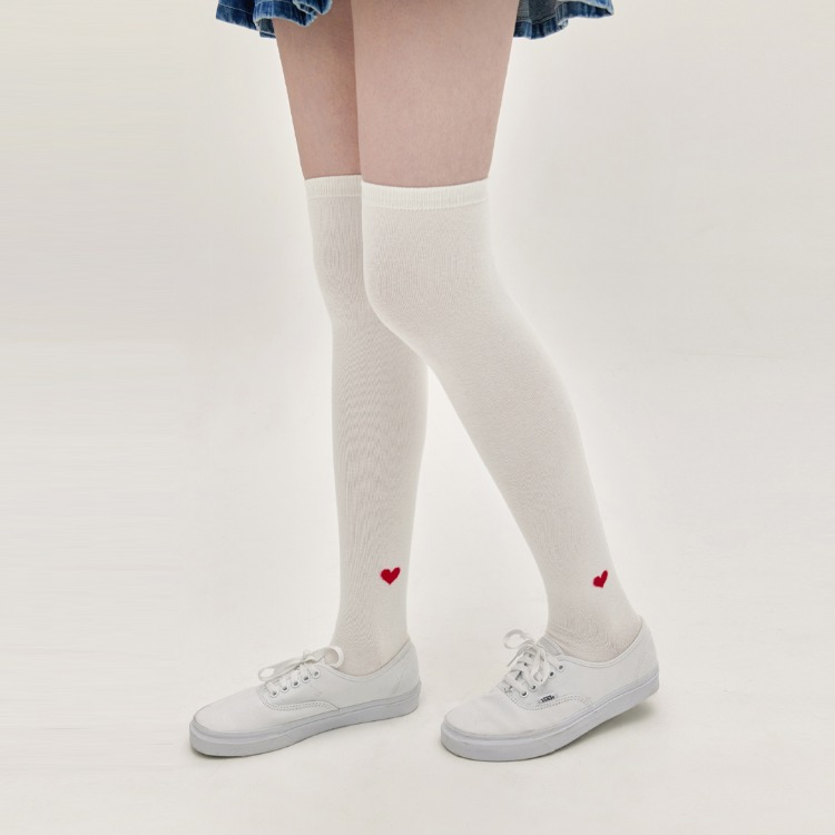 HEART CLUBHeart Detail Over-The-Knee Socks