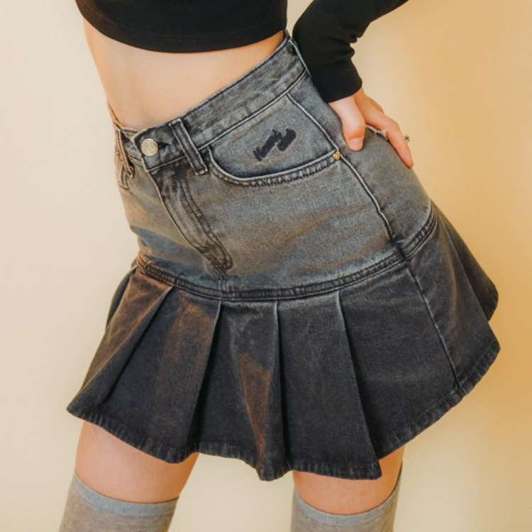 Heart Pleats Denim Skirt (Dark Grey)