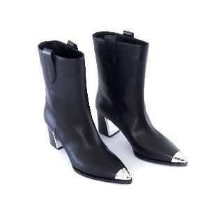Toe Cap Middle Boots (Black)