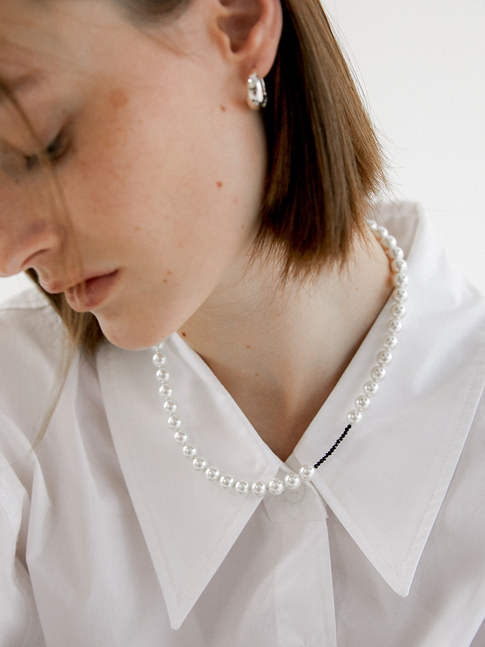 oppose pearl necklace - black