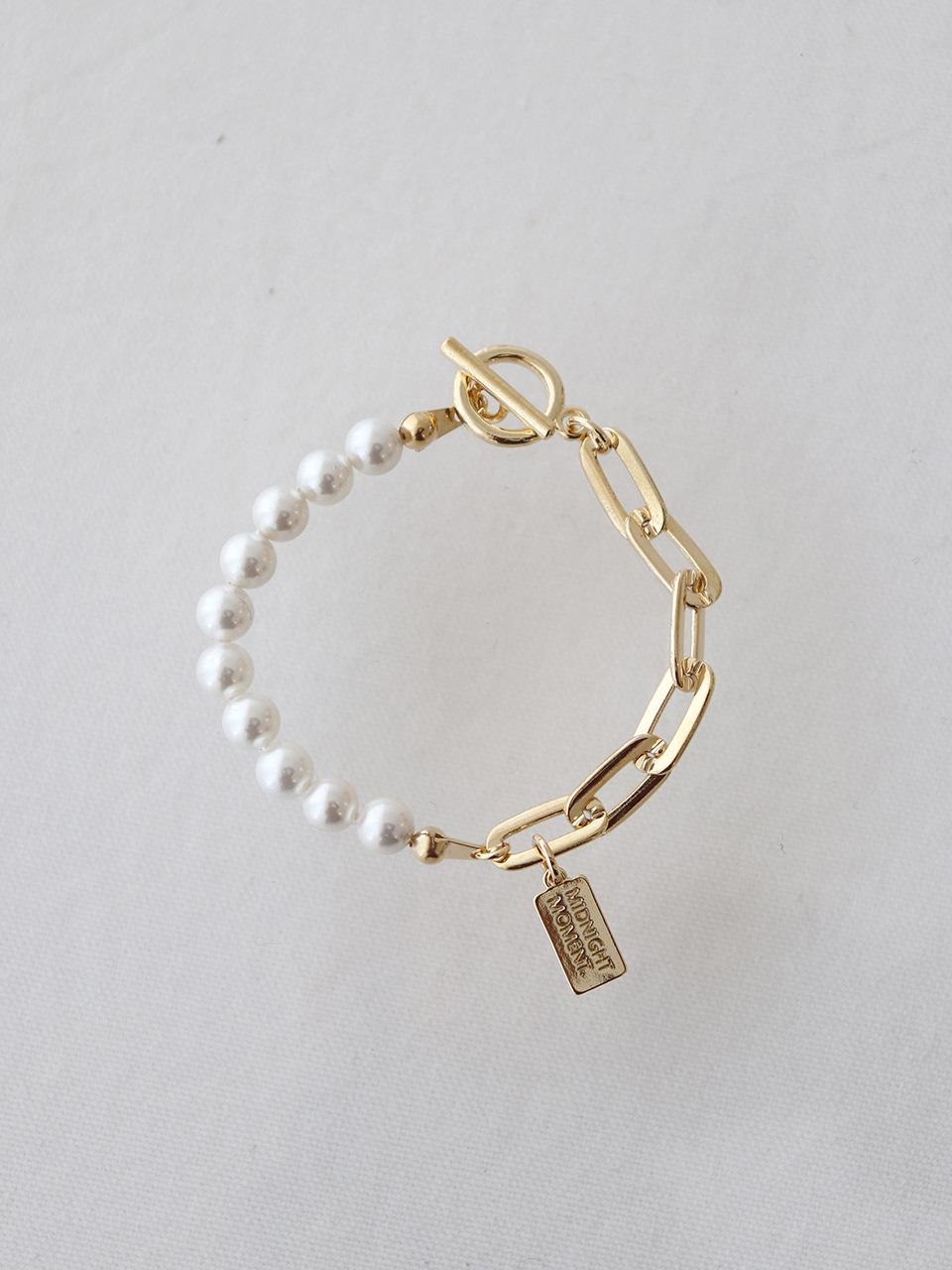 part pearl bracelet