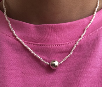 The pearl and silver ball necklace (제작기간 1~2주 소요)