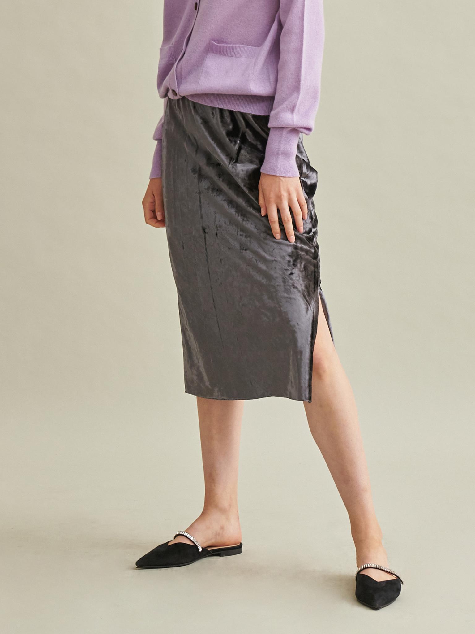Slit Point Velvet Skirt
