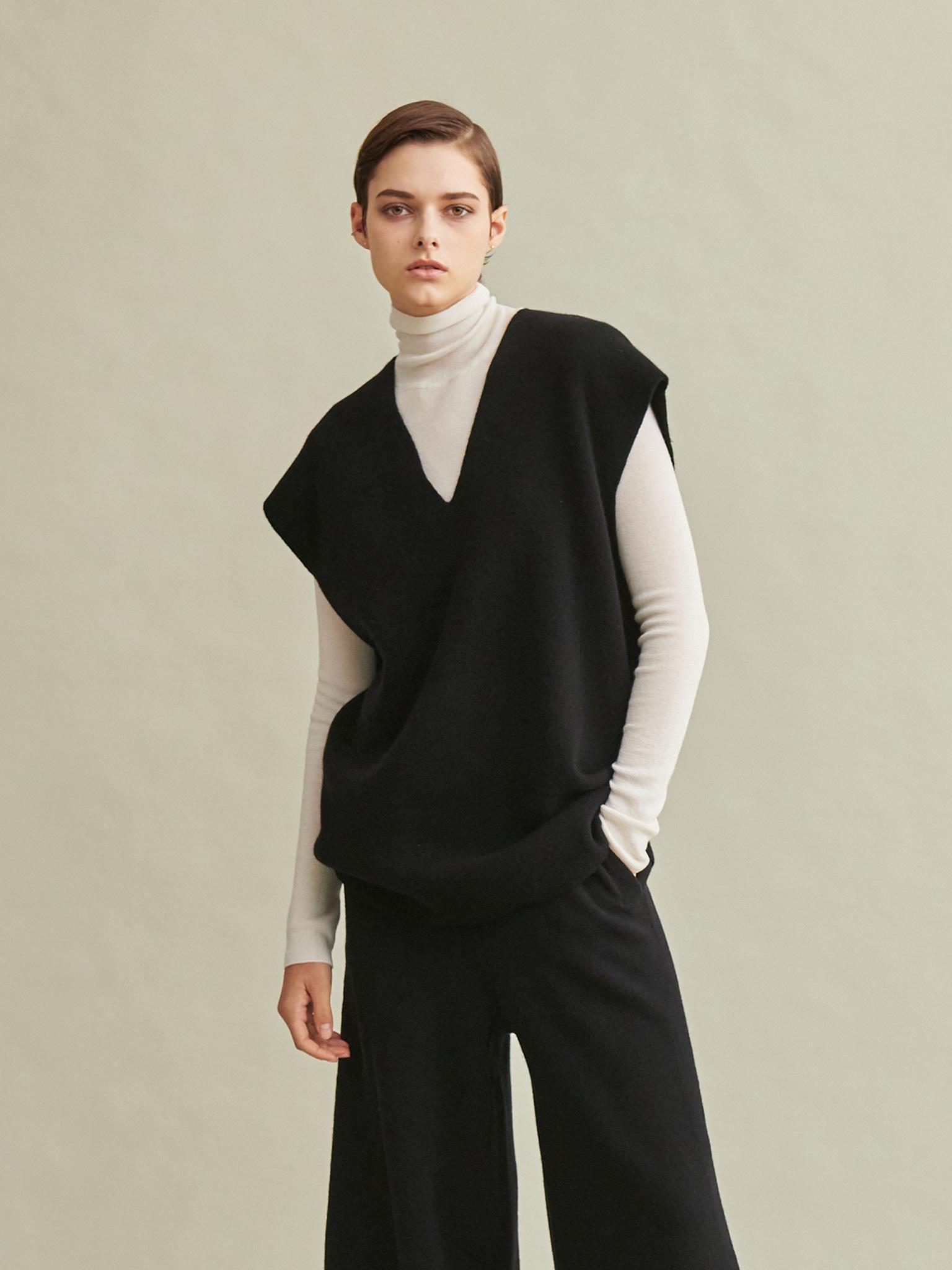 Oversize Knit Vest