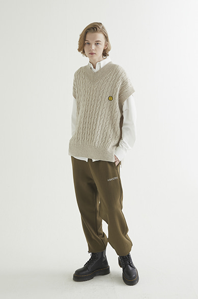 OVERSIZED CABLE KNIT VEST OATMEAL