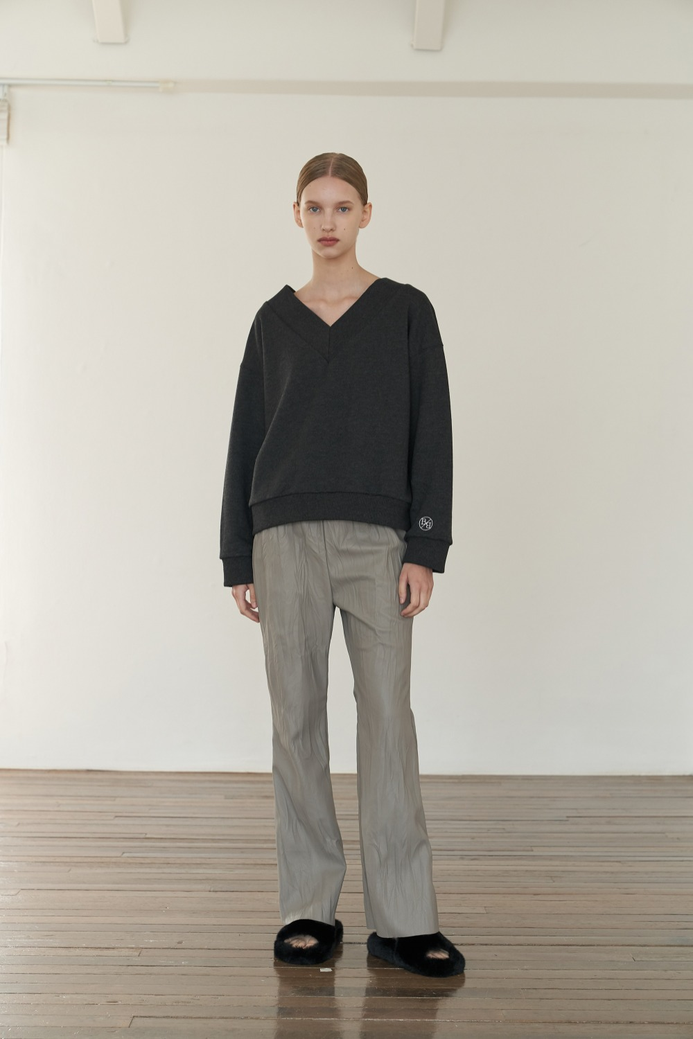 Creased leather pants in grey
