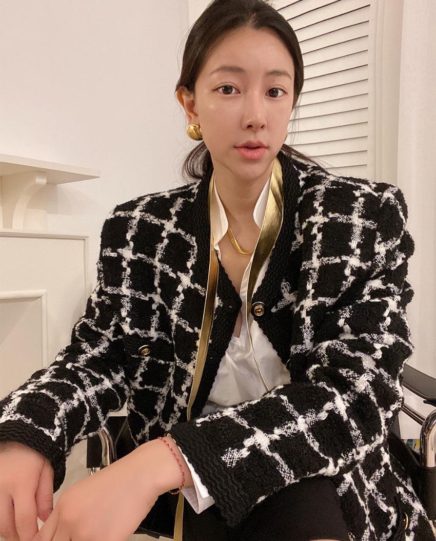 Verite Tweed Middle Jacket