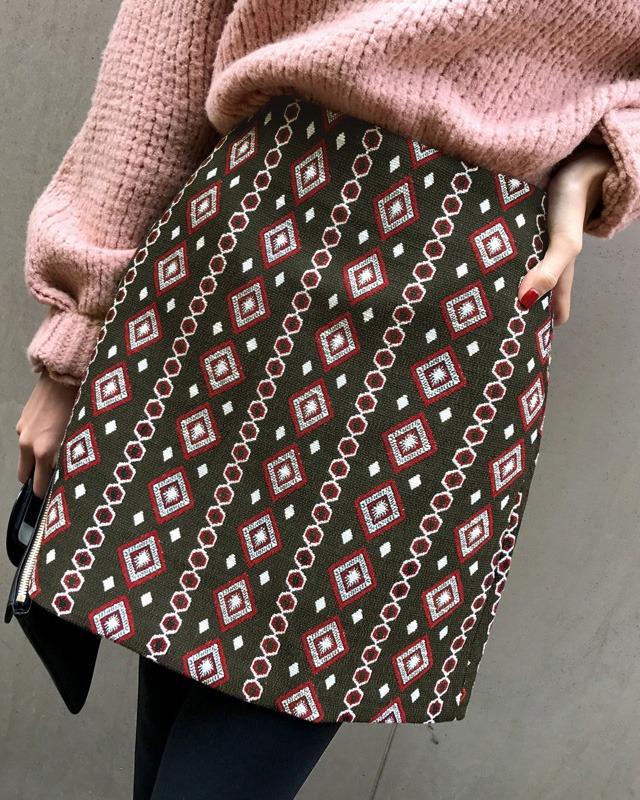 ピンキーダイアモンド模様スカート