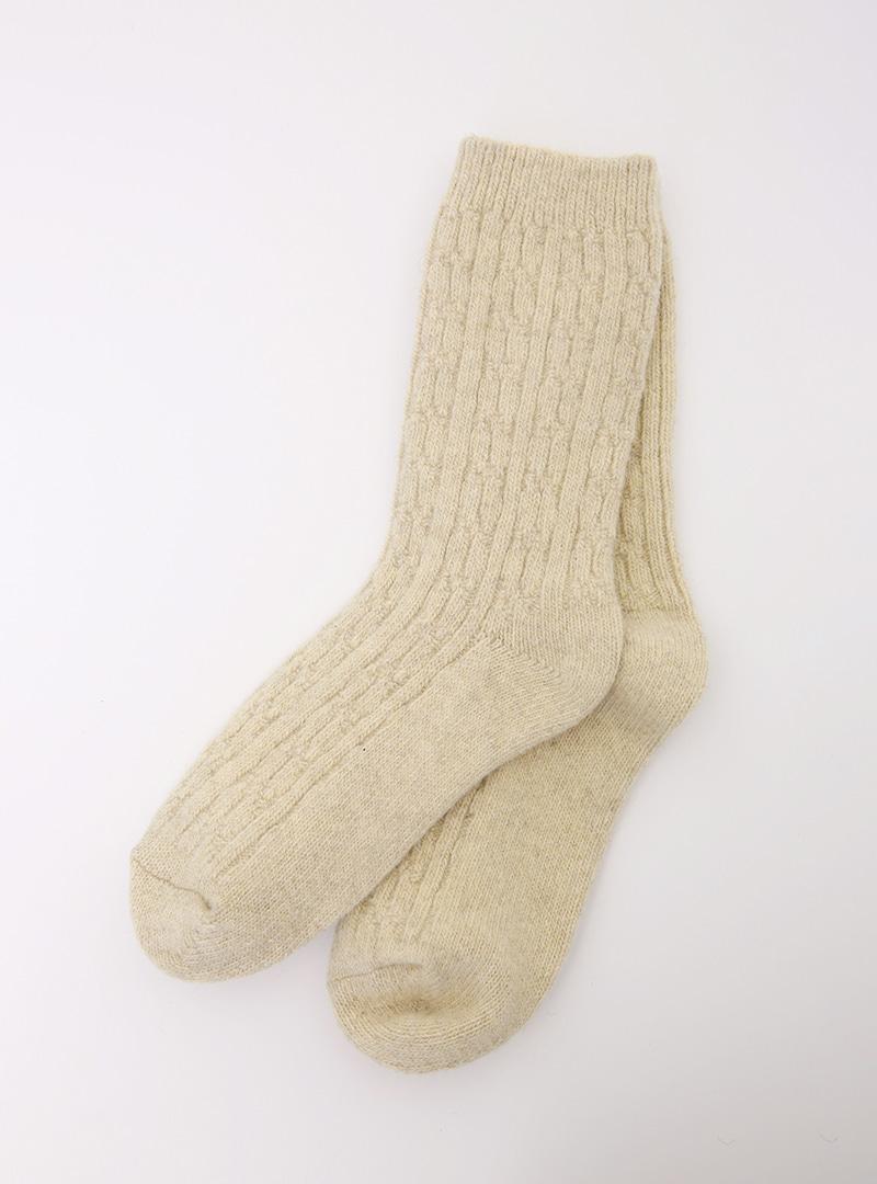 簡潔麻花紋純色中筒襪