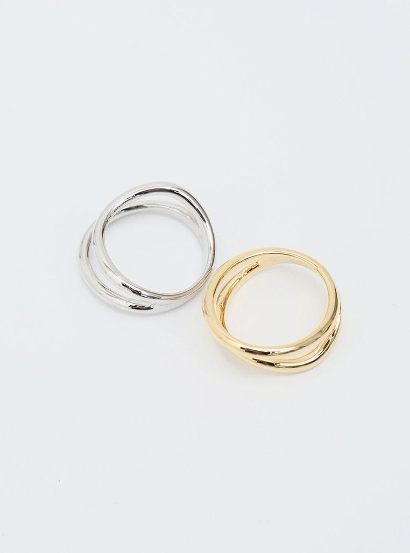Cutout Detail Glossy Ring