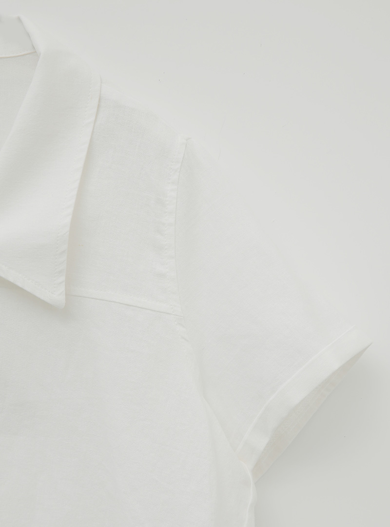 Short Sleeve Collared Blouse