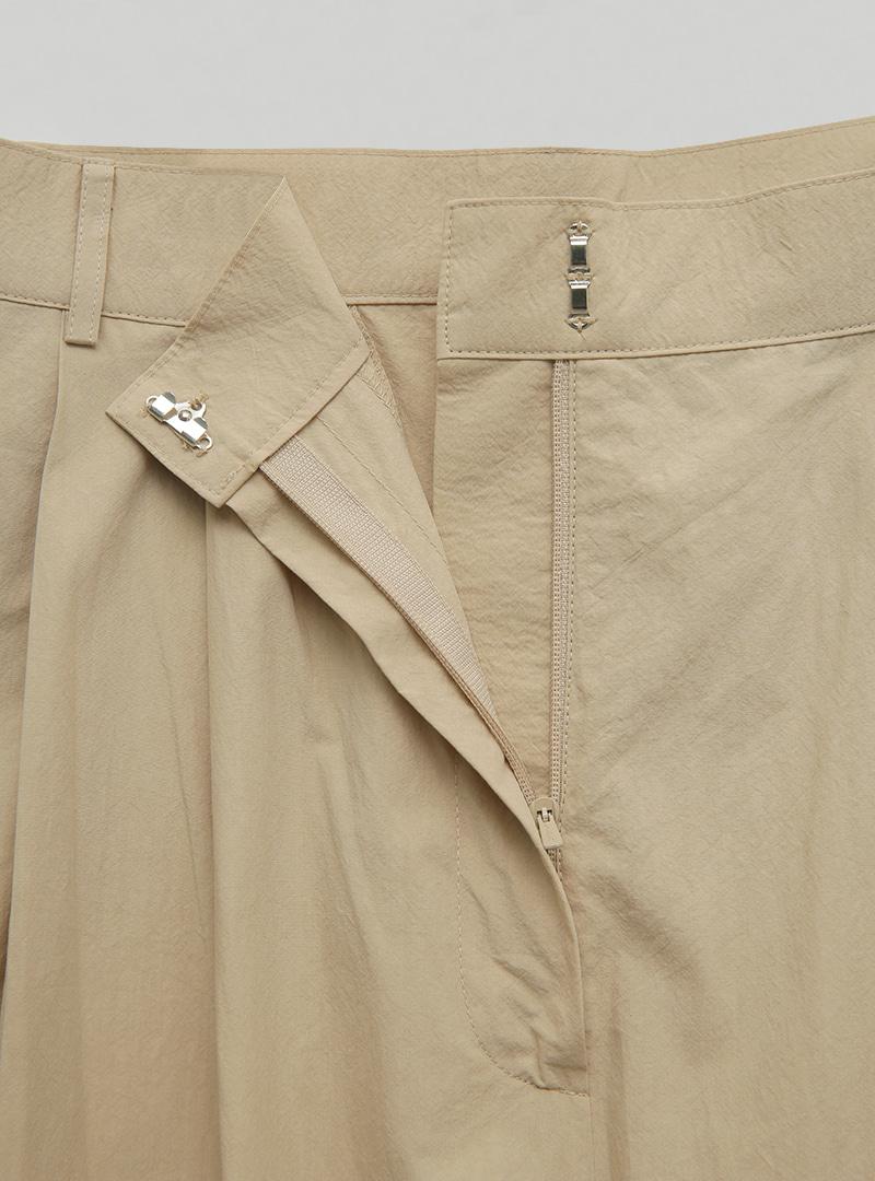 Front Pleat Wide-Leg Long Pants