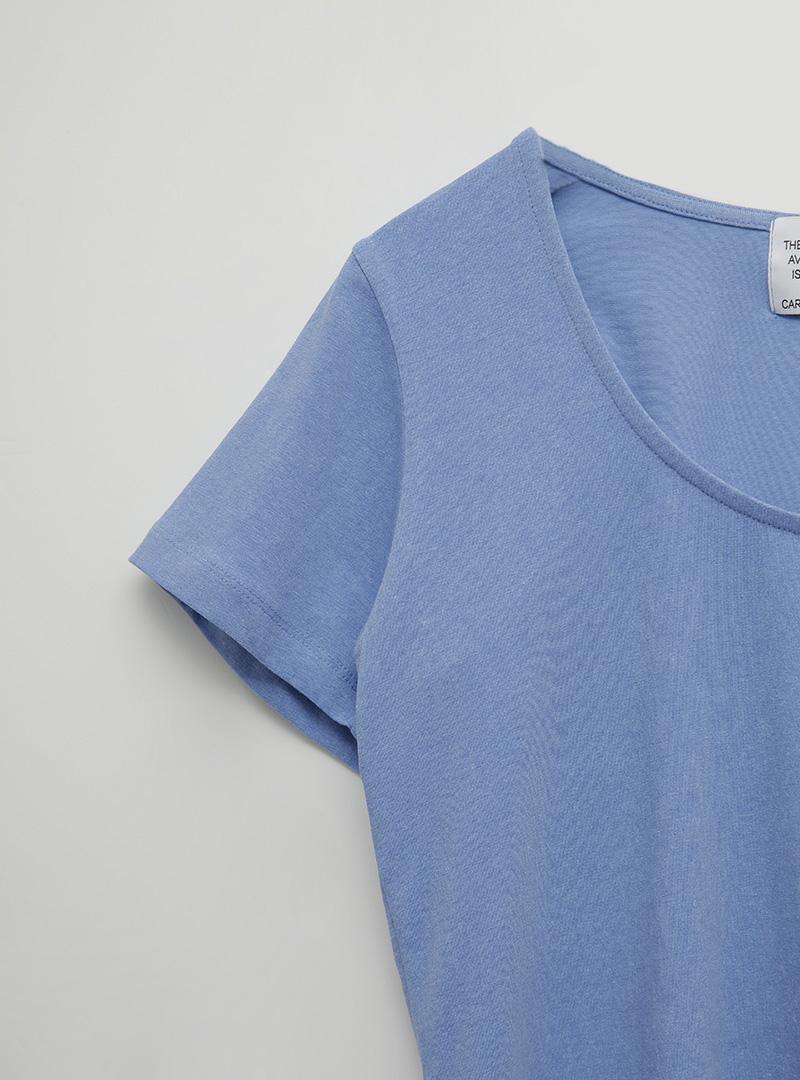 Solid Tone Scoop Neck T-Shirt