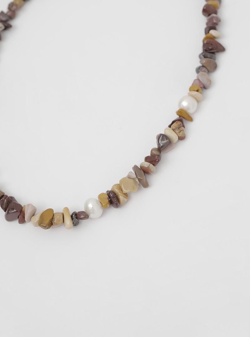 獨特混合寶石點綴項鍊