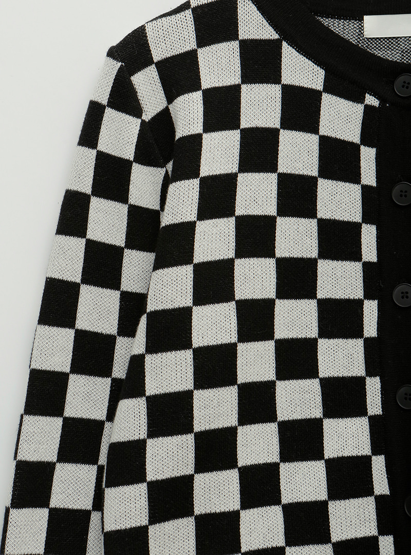 Checkered Button-Front CardiganThe delivery starts from Nov.8st along with your purchase order!!
