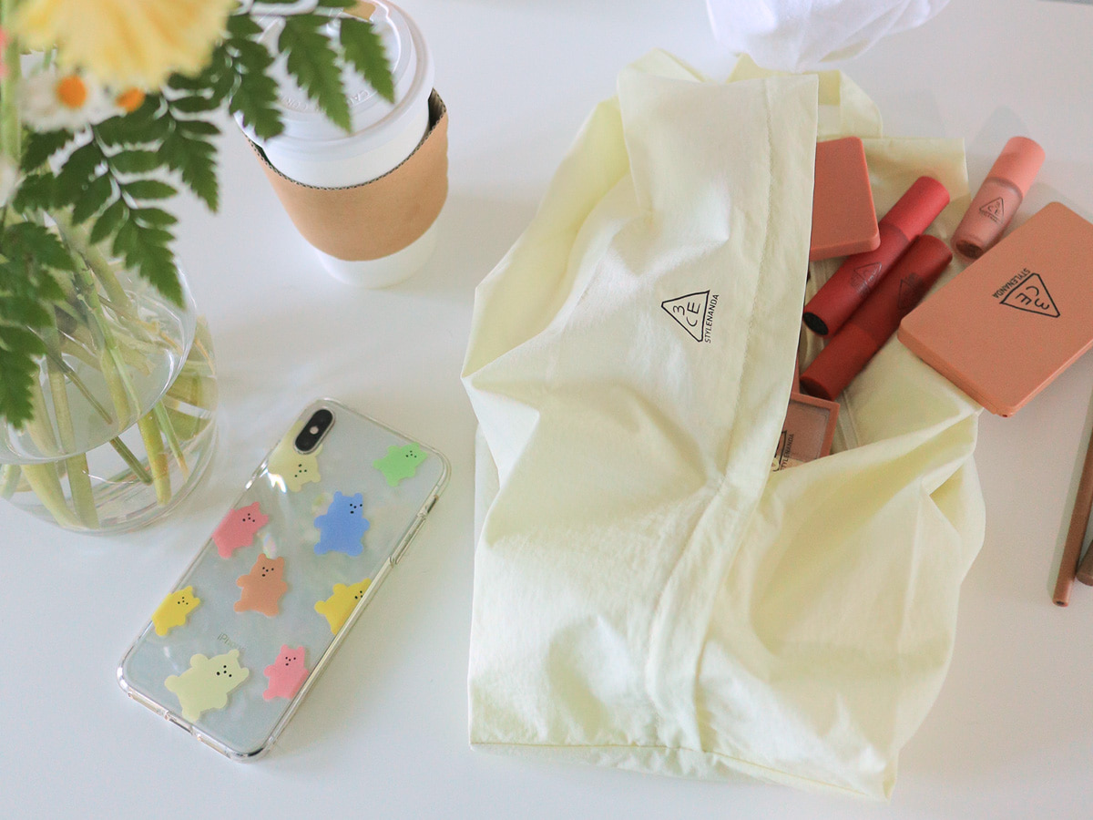 3CE AIRY NYLON POUCH_LARGE #YELLOW
