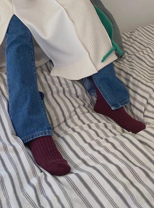 Ribbed Single Tone Socks