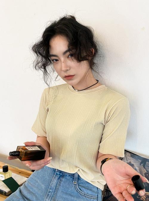 Ribbed Solid Tone T-Shirt