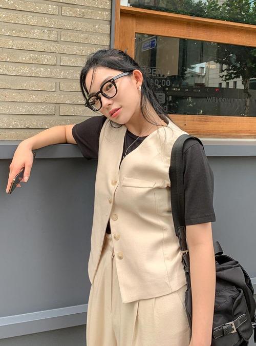 Back Strap Button-Up Vest