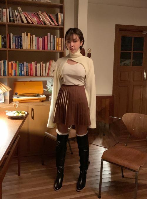 Knife-Pleated Mini Skirt