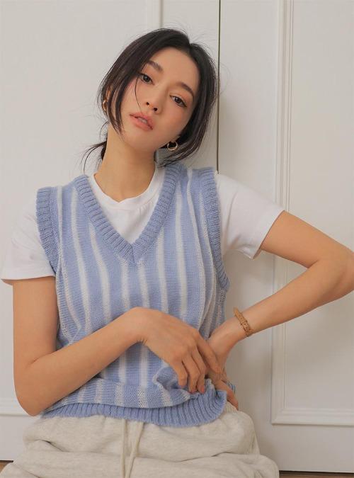 Vertical Stripe V-Neck Knit Vest