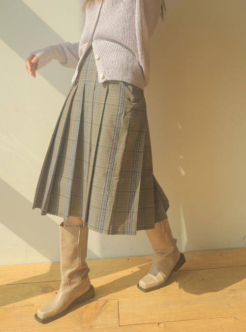 Knife-Pleated Check Skirt