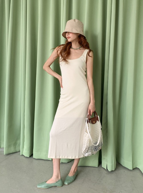 Scoop Neck Solid Tone Sleeveless Dress