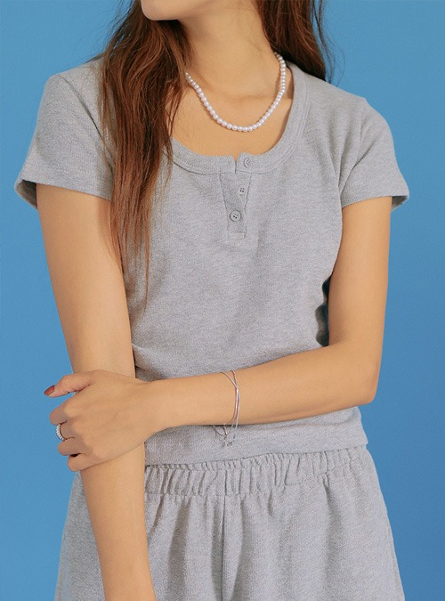 Partial Button Placket Cropped T-ShirtThe delivery starts from Aug.12th along with your purchase order!!