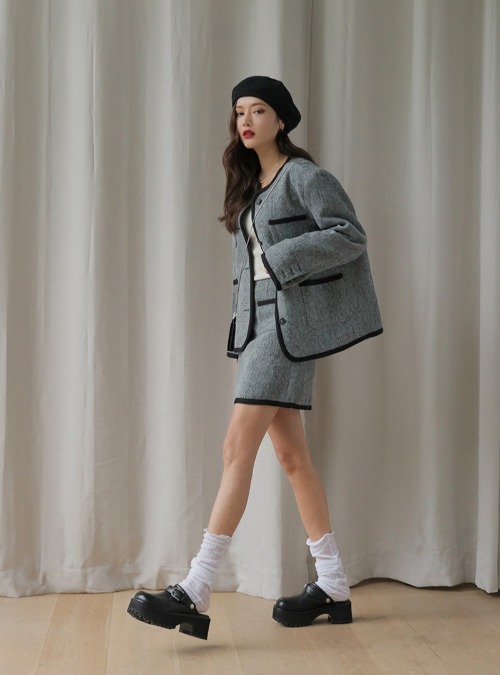 Contrast Trim Tweed Mini SkirtThe delivery starts from Sep.29th along with your purchase order!!