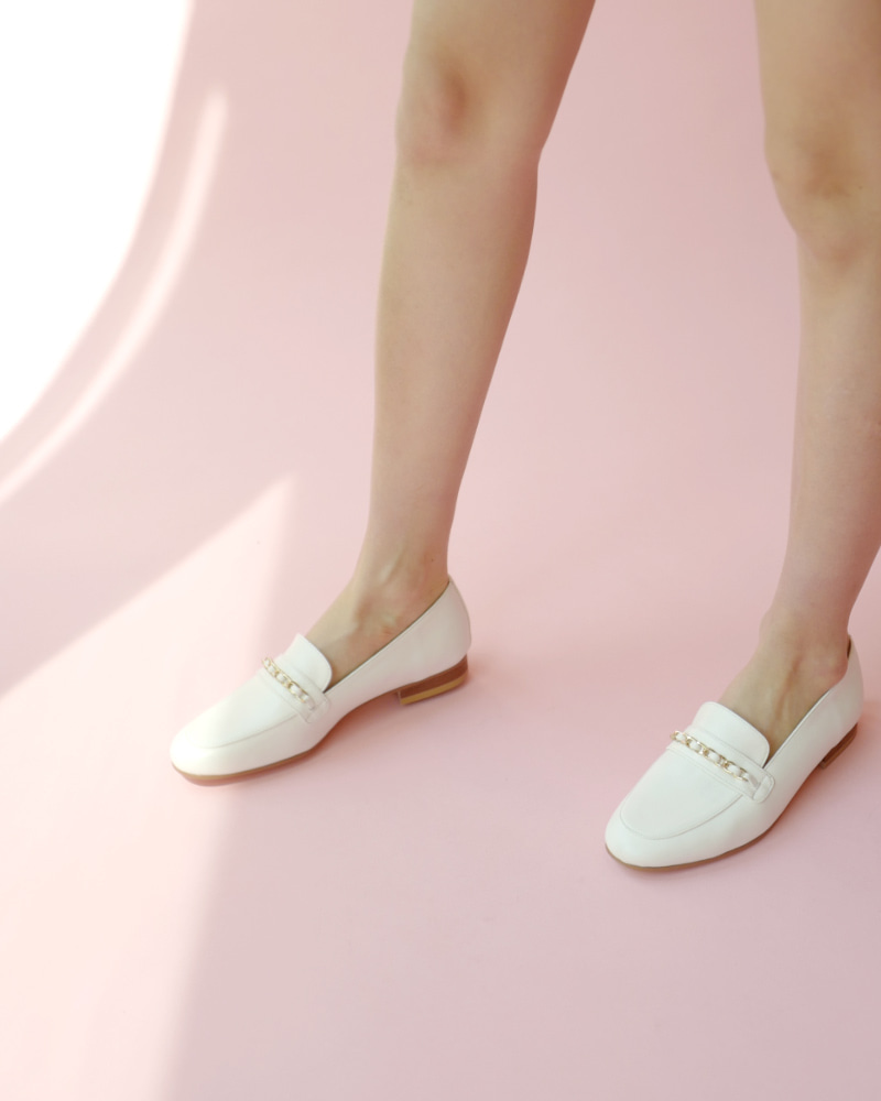 Franc Chain Loafers in Milky White