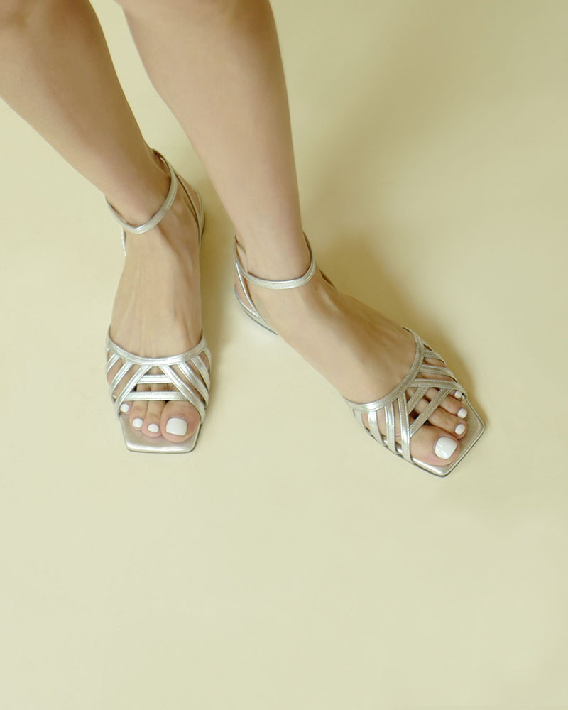 Beton Sandals in Pure Silver